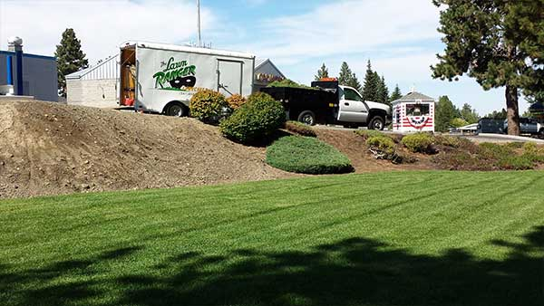 lawn-care-bend-oregon-commercial.jpg